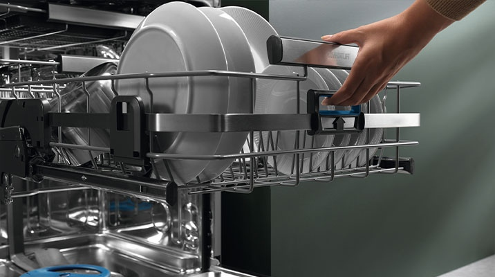 Dishwasher with intuitive touch control, which can be fully integrated
