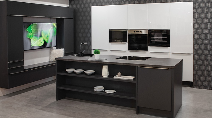 Viva-Ria furniture for an elegant dream kitchen.